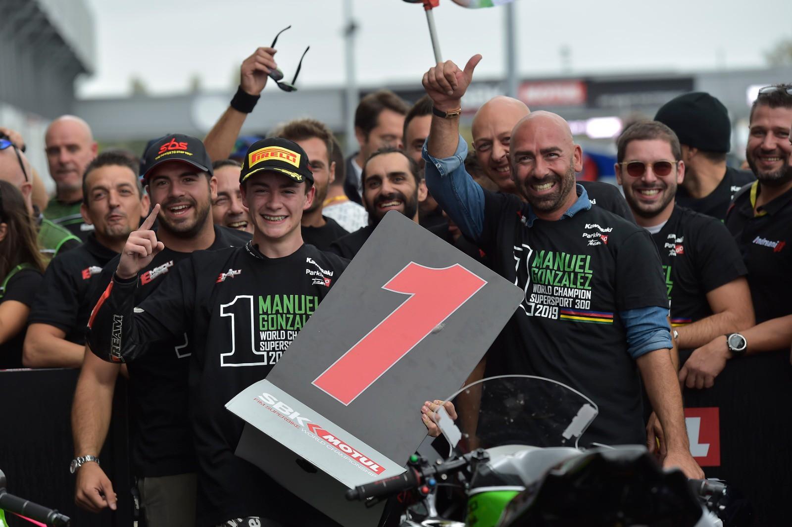 WSSP 300 a Magny Cours: Manuel Gonzalez è il più giovane Campione del mondo nella storia con il team italiano ParkinGO